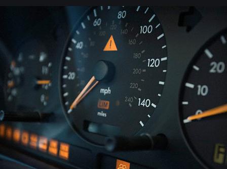 определить скорость без спидометра